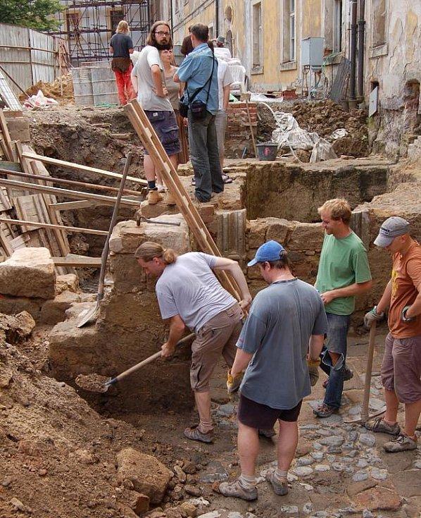 Děčínský zámek nabízí jedinečnou možnost nahlédnout do své dávné historie