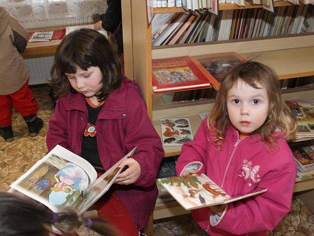 Jak mnoho z nás ví, tak březen je měsíc knihy.Proto i ti nejmladší navštívili městskou knihovnu ve Šluknově.