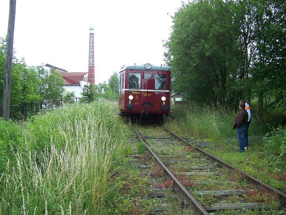 Kamenická lokálka v létě trhá návštěvnické rekordy.