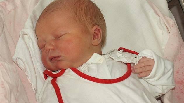 Lucii Tříškové z Mikulášovic se 26.listopadu ve 13.00 v rumburské porodnici narodila dcera Ema. Měřila 50 cm a vážila 3,45 kg.