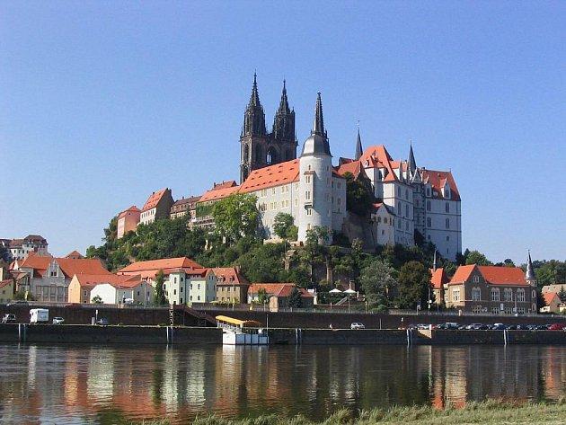 Na hradě Albrechtsburg, který se tyčí nad Míšní, vznikla před 300 lety první porcelánová manufaktura v Evropě.