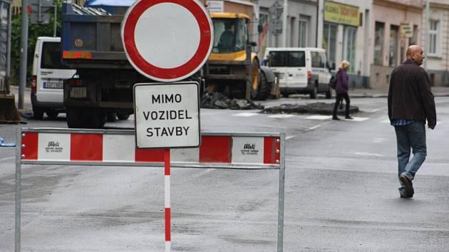 Uzavírka na Kamenické ulici v Děčíně.
