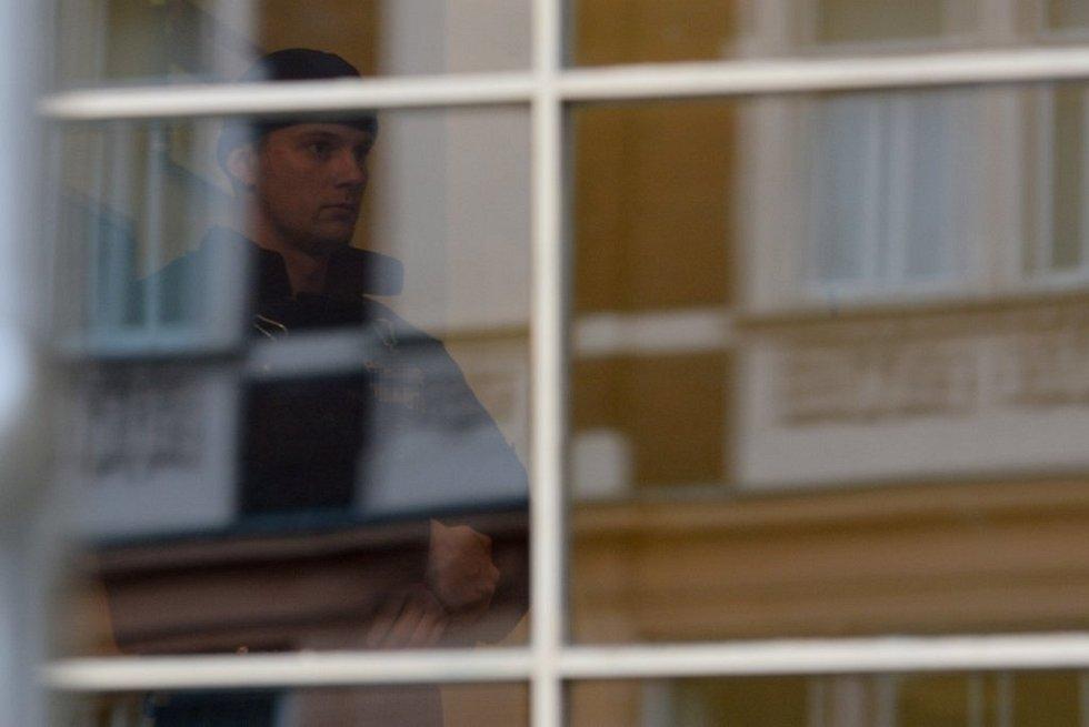 Policie vtrhla na rumburskou radnici.