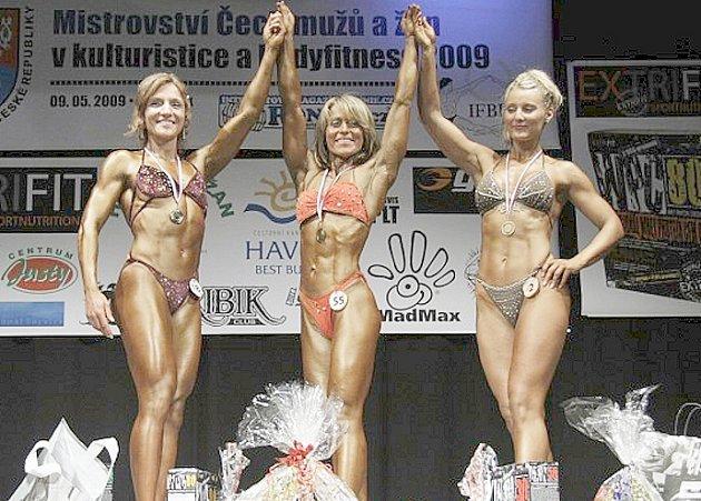 Renata Richterová (uprostřed) vyhrála Mistrovství Čech.
