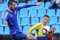 PAVLO RUDNYTSKYY (vpravo) v utkání, kdy Varnsdorfu remizoval s Ostravou.