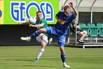 Fotbalisté Varnsdorfu (v modrém) prohráli v Jablonci 1:2.