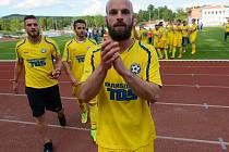 POSTUP. Fotbalisté Varnsdorfu vyhráli na hřišti Dobrovice 2:1 a postoupili do třetího kola. První branku vstřelil Matěj Kotiš, který se na hřiště vrací po operaci.