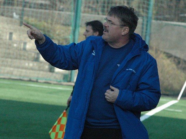 PAVEL HORÁČEK - dnes už bývalý trenér FK Junior Děčín.