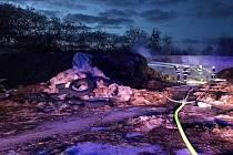 Hasiči likvidovali požár sena v Rychnově.