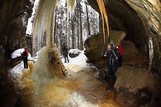 Ledopády vČeském Švýcarsku.