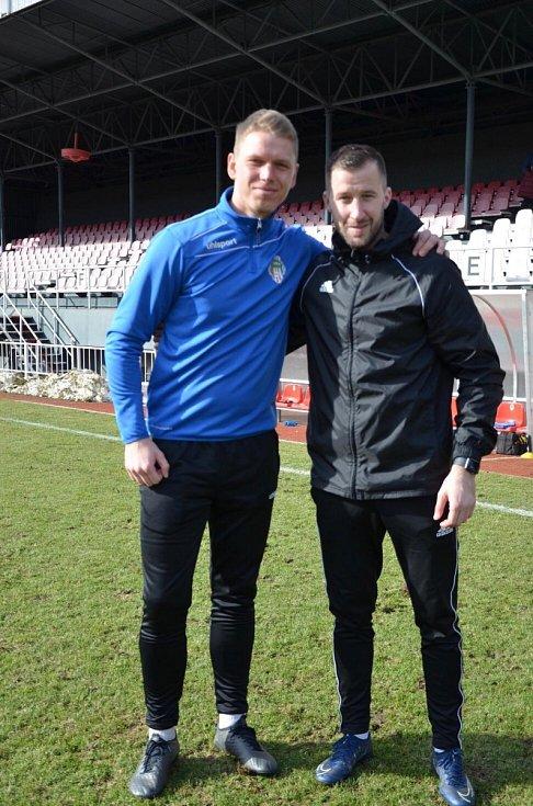 Jan Filip (vlevo) a trenér brankářů ve Varnsdorfu Radek Porcal.
