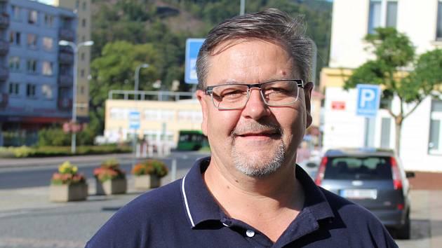Mítink hnutí ANO v Děčíně a jeho krajský lídr Jan Schiller
