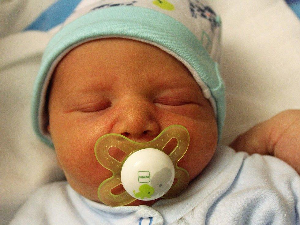 Béďa Semrád se narodil Lucii Semrádové z Děčína 13. února v 15.15 v děčínské porodnici. Vážil 2,56 kg.