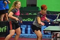 Děčínské stolní tenistky vyhrály v první lize oba zápasy. Na snímku Kristýna Kacálková a Eva Nováková.