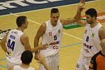 BYLY TO NERVY! Děčínští basketbalisté doma porazili Pardubice 74:73.