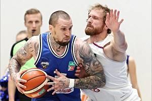 VÁLEČNÍCI HLÁSÍ POSILU. Na sever Čech přichází Filip Vukosavljević.