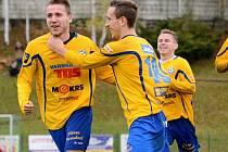 DALŠÍ TŘI BODY vybojovali fotbalisté Varnsdorfu (ve žlutém). Doma porazili 3:1 Třinec.