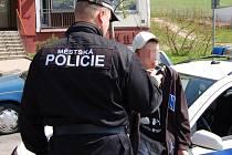 Šestnáctiletý mladík měl v dechu 2,07 promile alkoholu.