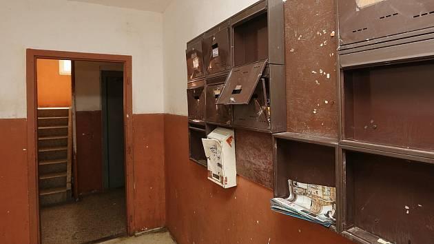 Jeden z problémových domů v Boleticích.