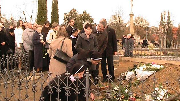 Pohřeb P. Jozefa Horehledě.