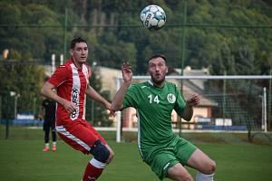 Dobkovice (červené dresy) doma jasně přejely Heřmanov, když ho porazily 8:1.