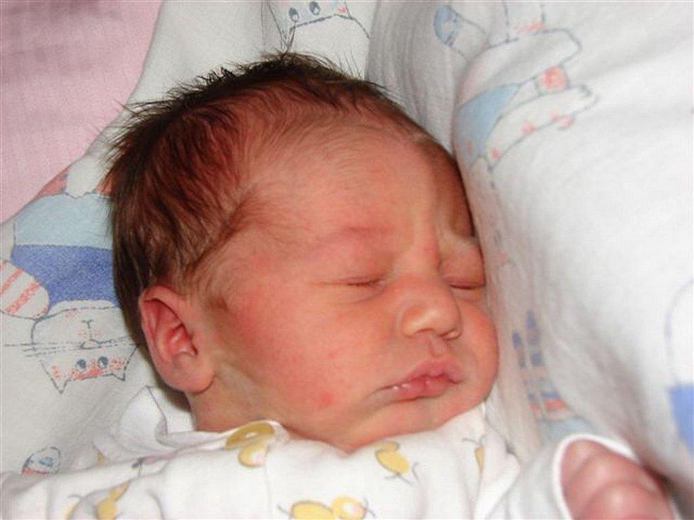 Heleně Kuklíkové z Rumburku se 22. února ve 14.00 hodin v rumburské porodnici narodila dcera Natálie Nedbalová. Měřila 45 cm a vážila 2,95kg.
