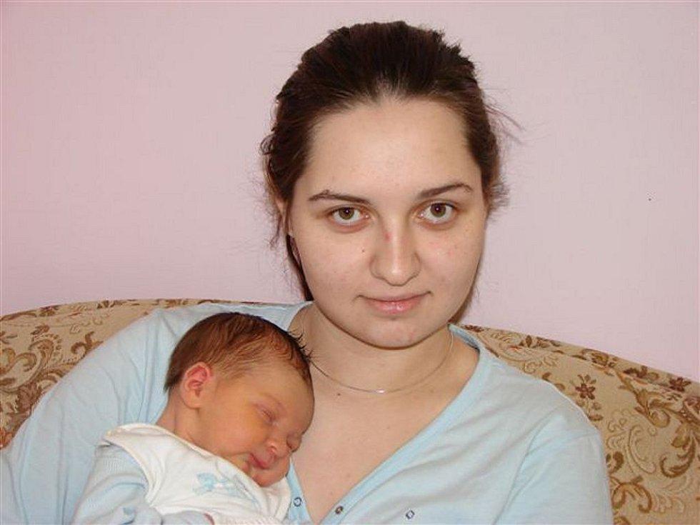 Romaně Staňkové z Varnsdorfu se 23. února v 6.05 hodin v rumburské porodnici narodil syn Dominik Betinec. Měřil 50 cm a vážil 3,61 kg.