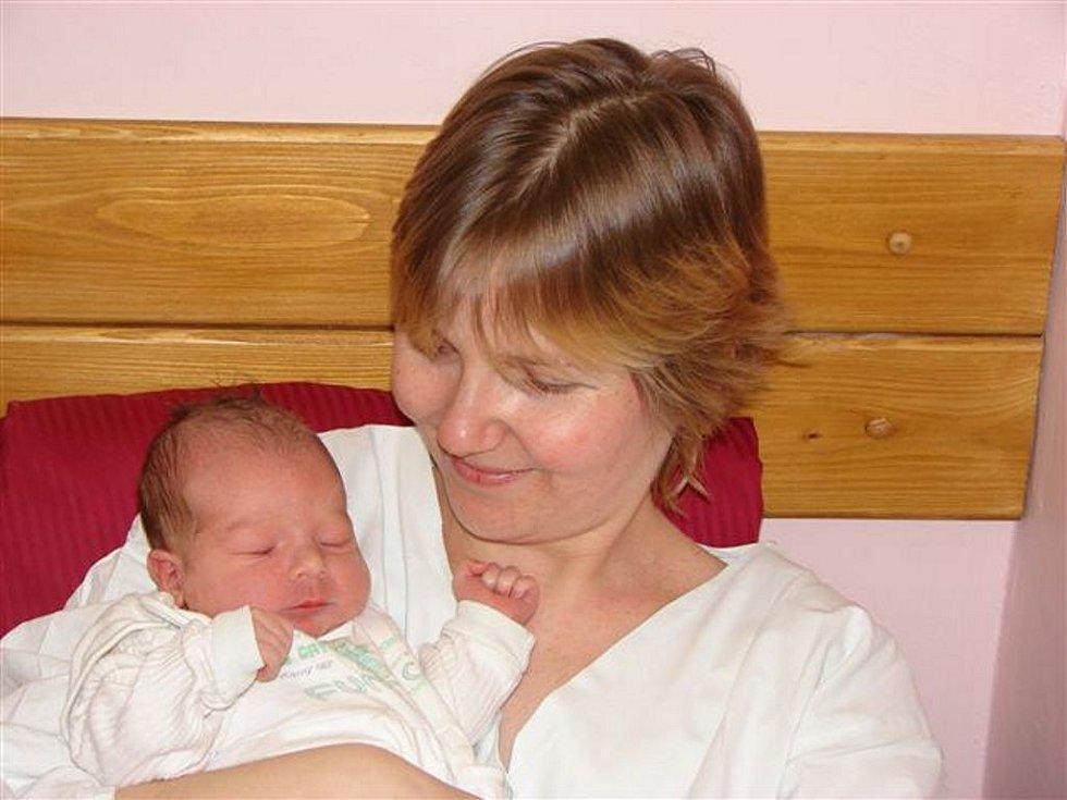 Idě Tesařové z Jiřetína pod Jedlovou se 27.února ve 21.00 hodin v rumburské porodnici narodil syn Jan. Měřil 50 cm a vážil 3,20 kg.