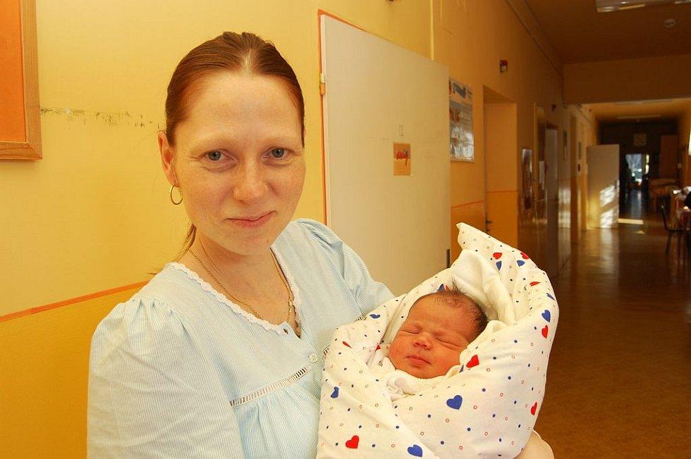 Simoně Toužimské z Děčína se 25. února v 16.00 hodin v děčínské porodnici narodila dcera Lucie. Vážila 3,95 kg a měřila 50 cm.