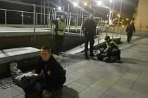 Dvojici lupičů zadržela na hlavním vlakovém nádraží v Ústí nad Labem městská policie.