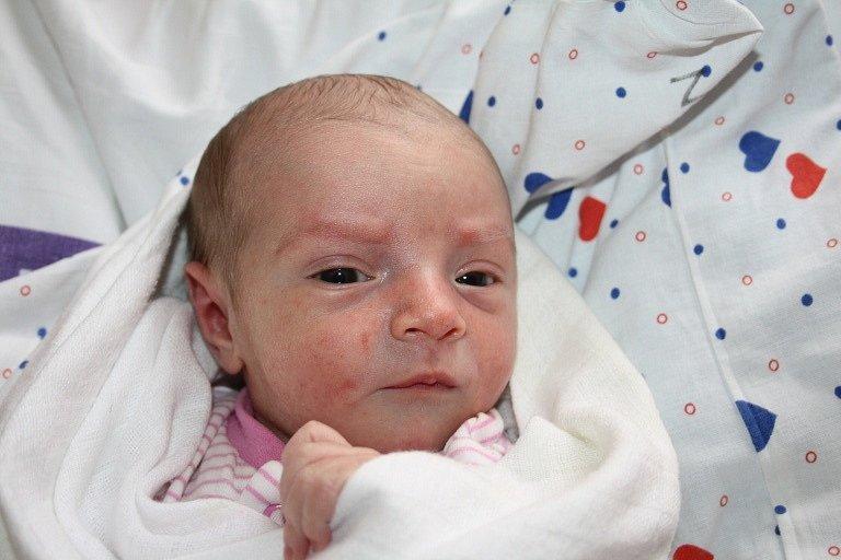 Kateřině Ulmonové z Bynova se 25. března v 10.30 narodila v děčínské porodnici dcera Kačenka Ulmonová. Měřila 48 cm a vážila 2,92 kg.