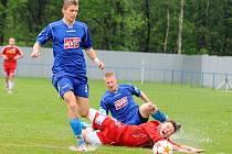 BEZ BODU. Vilémov (v modrém) doma podlehl Vyšehradu 0:3.