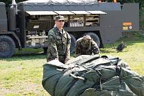 Vojáci 311. praporu radiační, chemické a biologické ochrany z Liberce si vybrali za místo svého cvičení břeh Labe v Děčíně