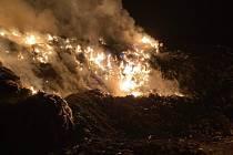 Požár skládky Borek na Děčínsku.