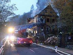 Požár domu ve Hřensku.