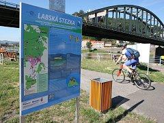 Větší komfort pro cyklisty: Děčín vylepšuje cyklostezku.