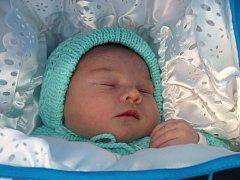 Romaně Beníčkové ze Šluknova se 2. října ve 13.55 v rumburské porodnici narodil syn Lukáš Beníček. Měřil 50 cm a vážil 3,32 kg.