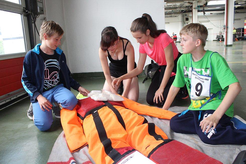 Děti soutěžily v Děčíně na základně hasičů.