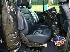 Policisté v České Kamenici objevili přes 30 kg sušené marihuany v autě.