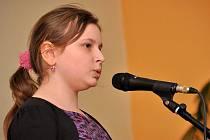Ve třech věkových kategoriích soutěžilo 21 zpěvaček a zpěváku v Popové zpívandě, pěvecké soutěži pořádané ZUŠ Varnsdorf.