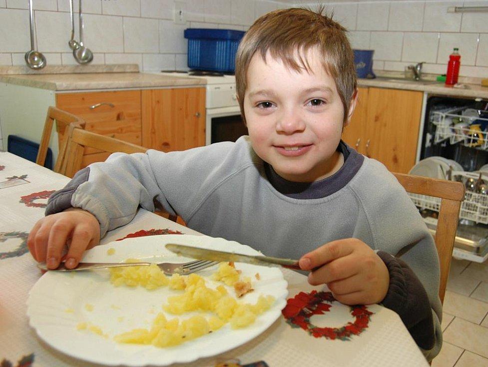 Děti v dětském domově v Lipové jsou velká rodina, jen táta a máma chybí