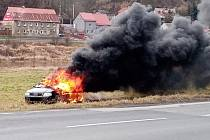 Požár auta v Těchlovicích.