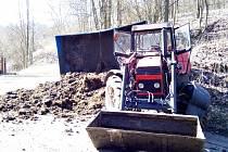 Nehoda traktoru v Horním Jílovém.