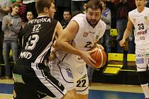 JIŘÍ JELÍNEK opouští děčínské basketbalové řady.
