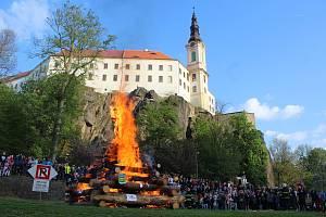 Pálení čarodějnic v Děčíně.