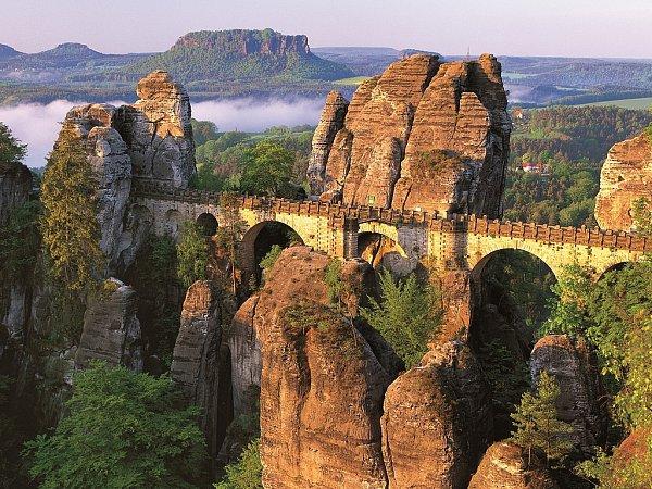 Skalní most vSaském Švýcarsku
