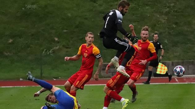 V posledním vzájemném zápase remizoval Varnsdorf doma s Duklou 2:2.
