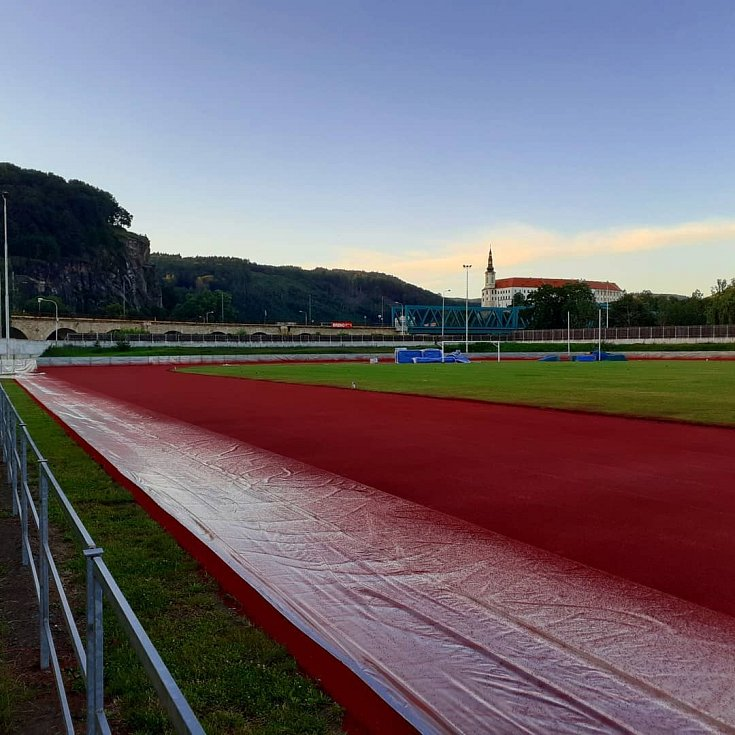 Atletický stadion v Děčíně v roce 2020.