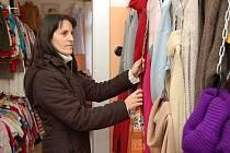 SECAND HAND. I přes finanční krizi se matka dvou dětí Petra Jandíková rozhodla podnikat, prodává použité oblečení.