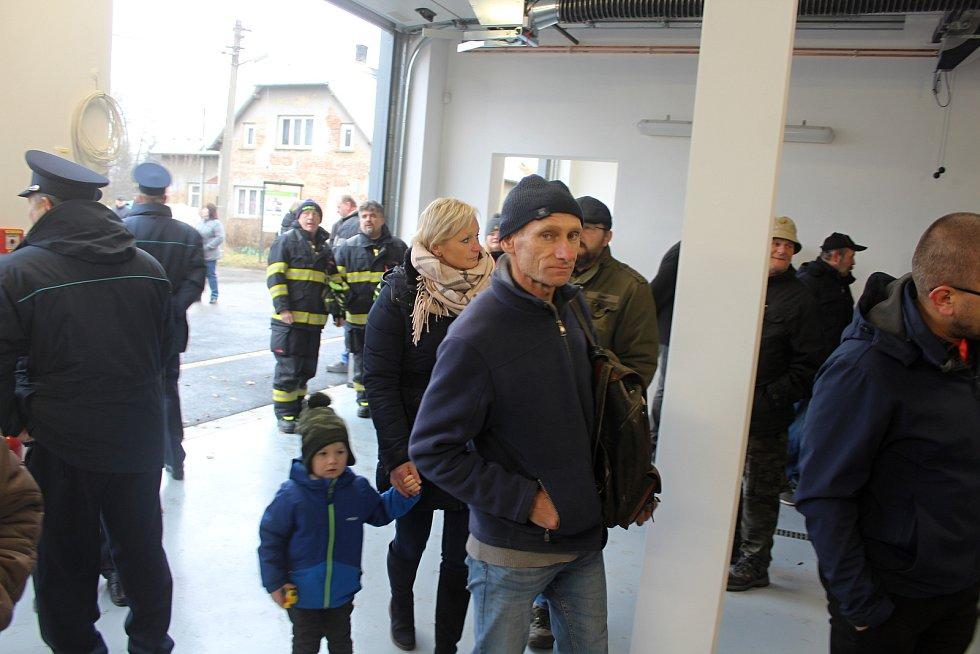 Jiříkovští hasiči mají opravenou zbrojnici.